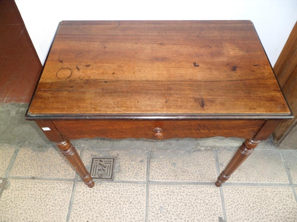 Antigua mesa escritorio isabelina antiguedades lizarra - Mesa escritorio madera ...
